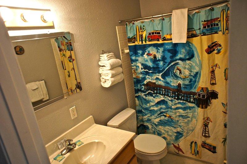 Surf du Soleil has two bathrooms