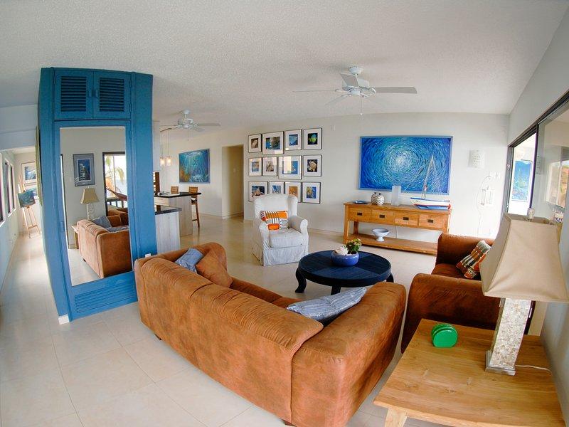 Este high-end 2200+ apartamento pé foi concebido como residência primária do desenvolvedor do dólar de areia.