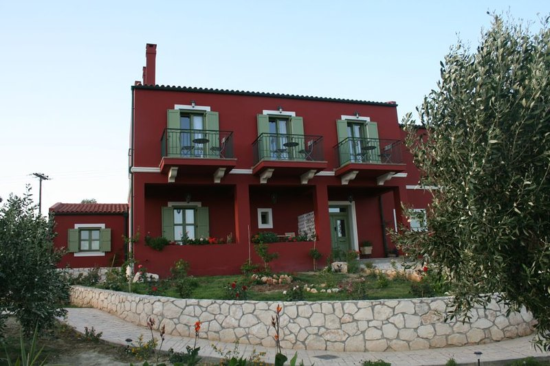Volidiera Guesthouse 'Azzure Sun', holiday rental in Kounopetra