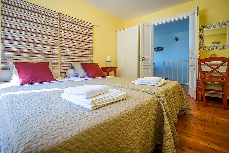 o quarto 2 simples amarela no 1º andar
