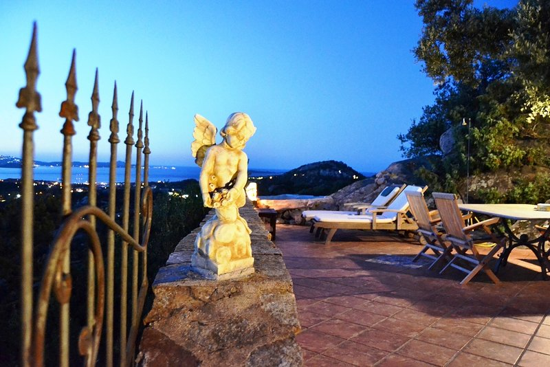 Villa Vista, from the terrace a stunning view to  Costa Smeralda and the Islands, holiday rental in Porto Rotondo