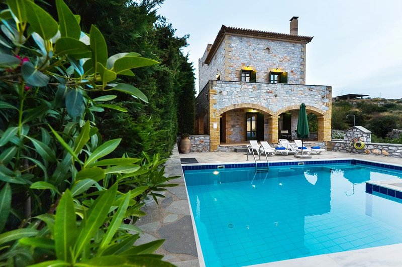 Luxury Villa Sofia in Stoupa, Private Pool, BBQ and amazing, panoramic sea view, vacation rental in Stoupa