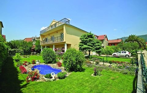 Apartment Villa Isabella, vacation rental in Kastel Novi