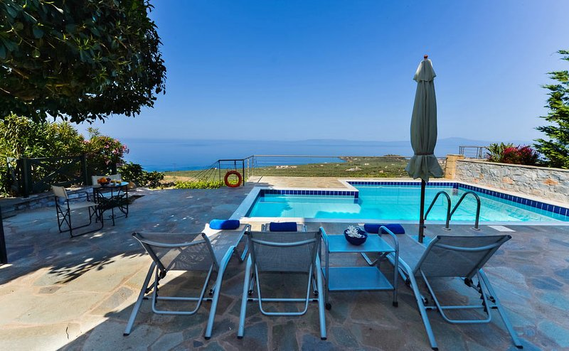 Luxury Villa Ismini in Stoupa, Private Pool, BBQ and amazing, panoramic sea view, vacation rental in Stoupa
