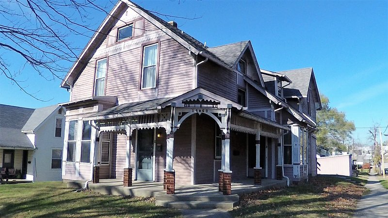 2 Bedroom Apartment Near Downtown Amp Purdue Has Wi Fi And