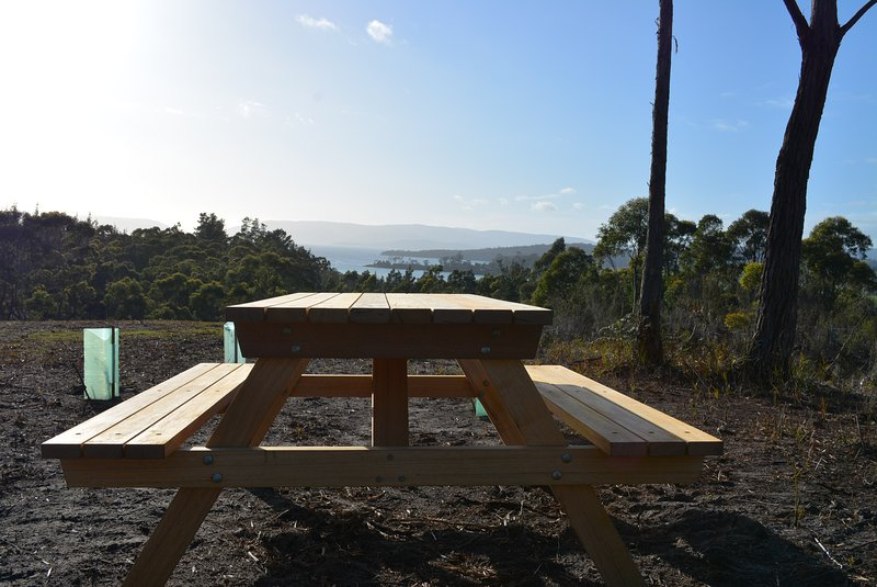 New-- Yarrabee, 17 Acres with Amazing Views near Port Arthur, vacation rental in White Beach