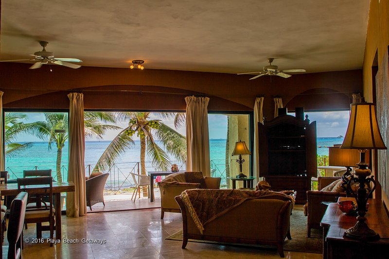 Open your sliding doors to paradise! Direct oceanfront