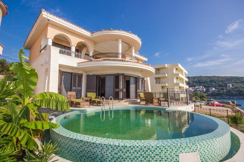 Amazing Ocean Front Villa, Ferienwohnung in Gemeinde Bar