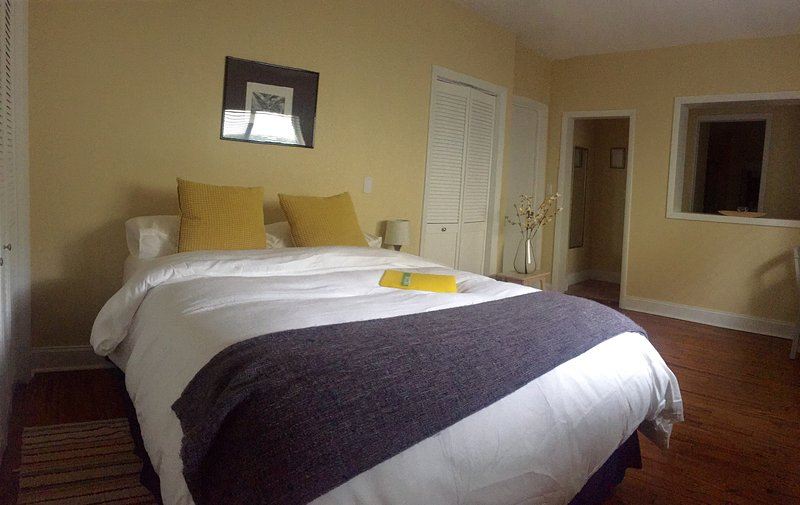 Beautiful Private Guest Studio Near The Airport, casa vacanza a Sweetwater