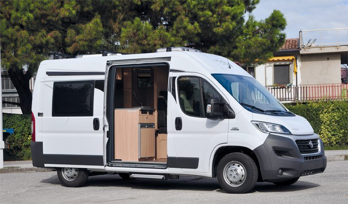Camper Compact pure, 5.40 meters long ideal for the couple that loves to travel in total comfort.