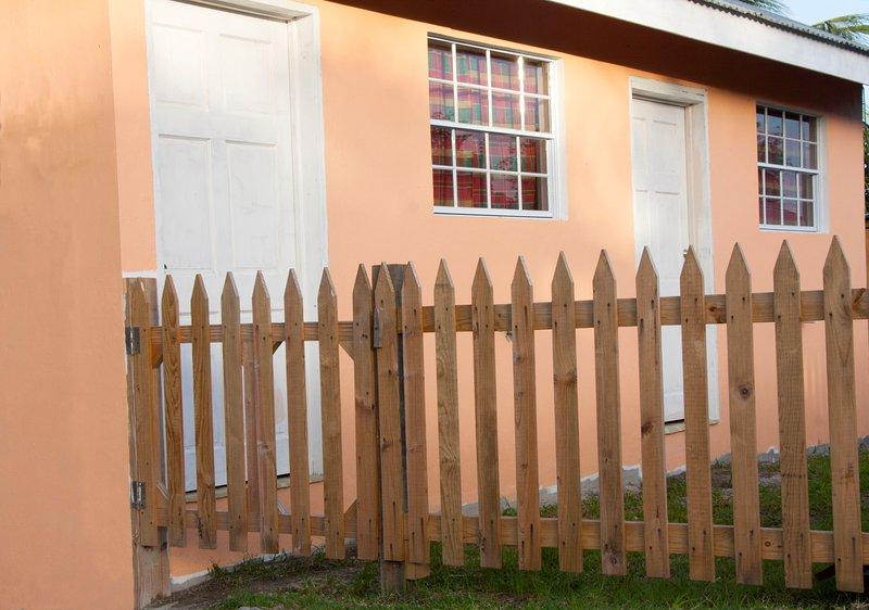 Breezy Isle Cottage 1, alquiler de vacaciones en Laborie