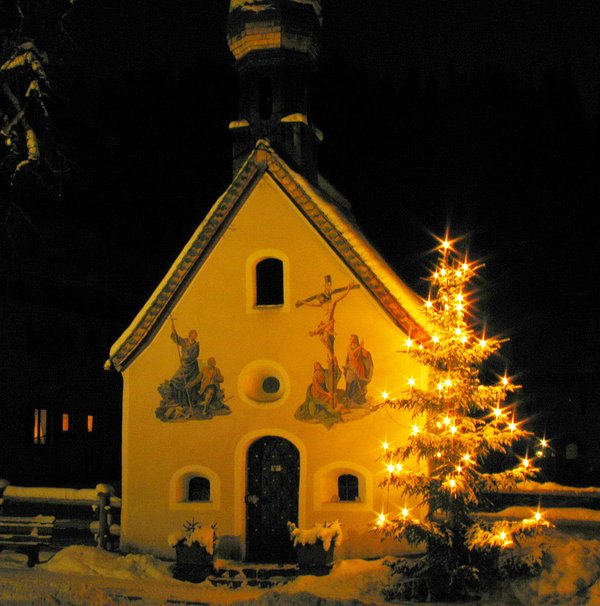 Christmas romance with the chapel in Klais