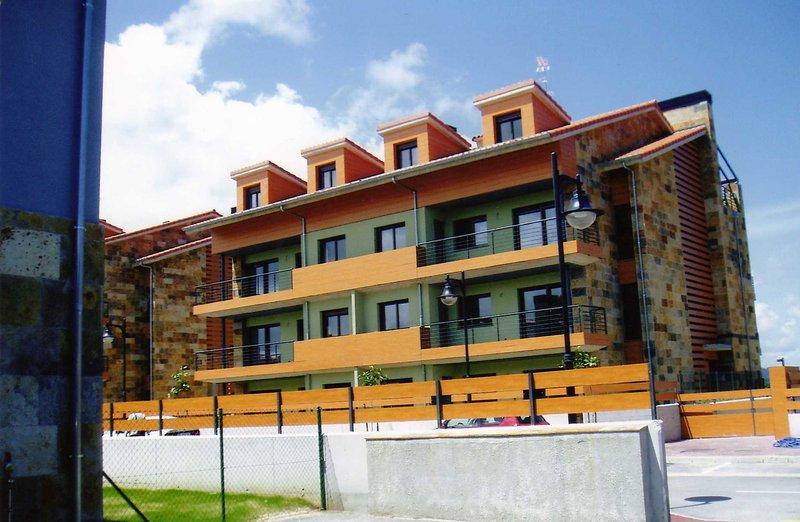 Apto de 6 plazas Colombres, Asturias, vacation rental in Buelna