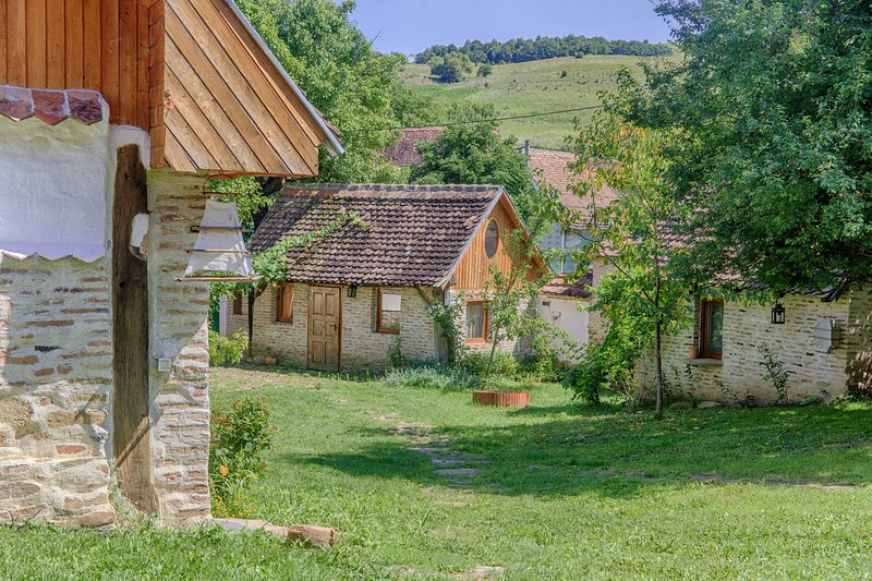Dominic Boutique Cloasterf, Little Barn, holiday rental in Odorheiu Secuiesc