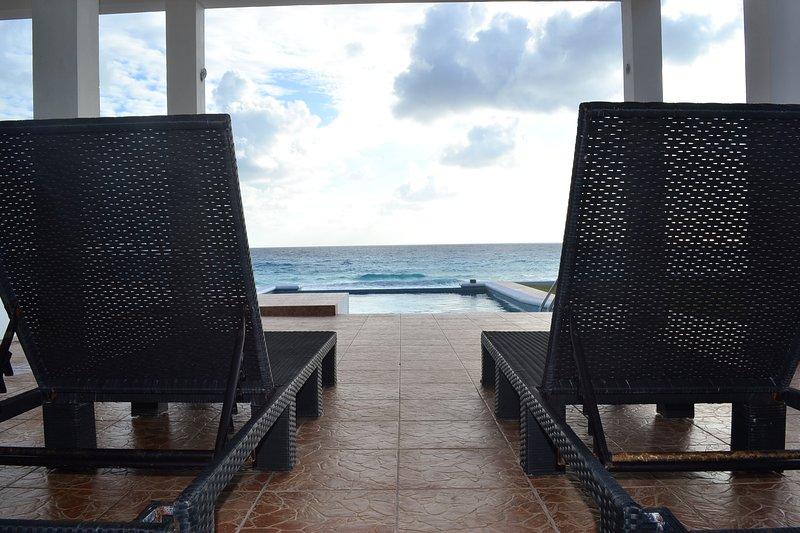 Surprising Beach Front House Casa Picon Cancun Has Private Yard Home Interior And Landscaping Transignezvosmurscom