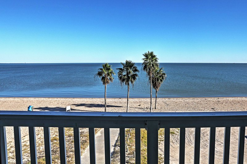 Have the beach retreat of a lifetime at this sensational Corpus Christi vacation rental condo!