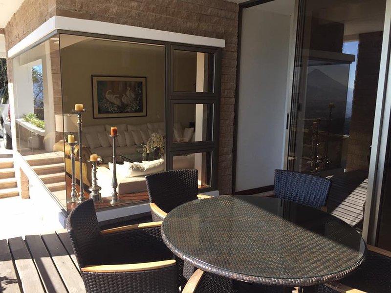 Habitaciones de lujo con jacuzzi, sauna y piscina, aluguéis de temporada em Petapa