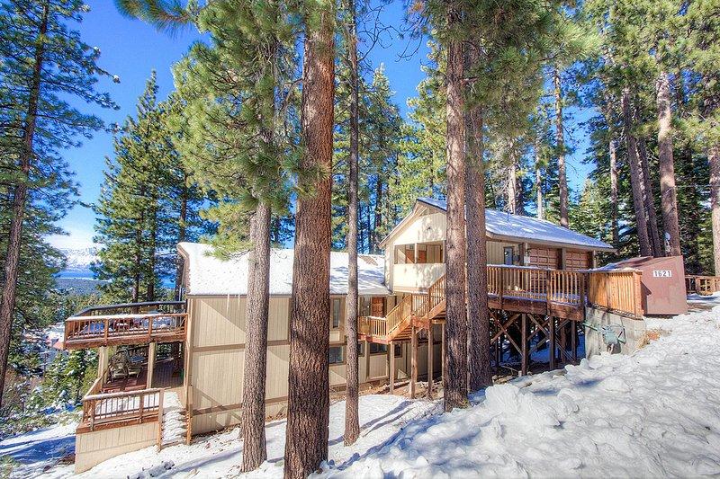 Building,Cabin,Shelter,Deck,Porch