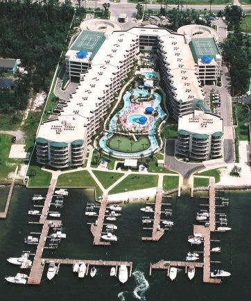 Beautiful Perdido Bay Resort Overlooking The Lazy River