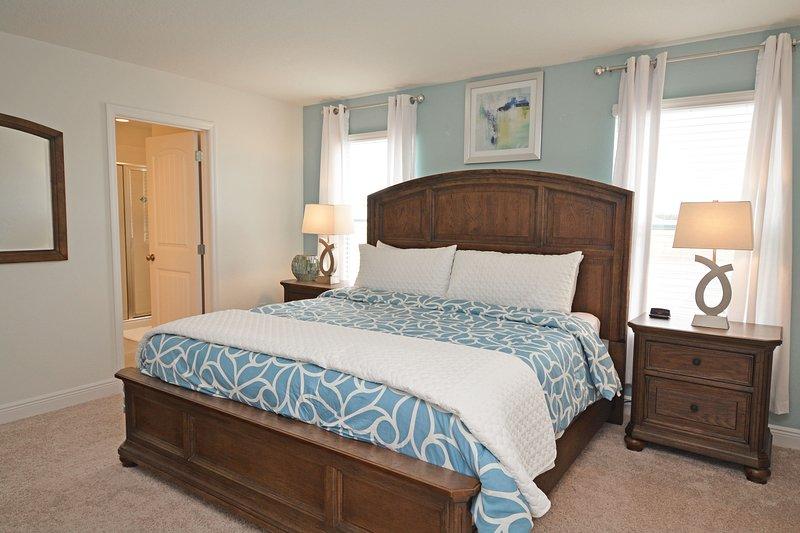 Dormitorio principal 2 (arriba)