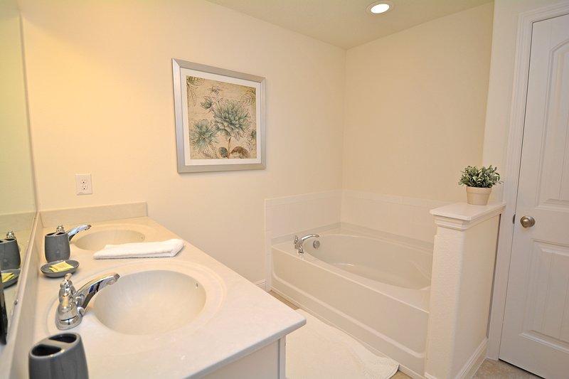 Dormitorio principal 2 baño en suite (también tiene ducha)