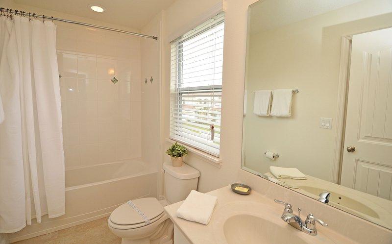 Baño compartido con habitaciones 4 y 5