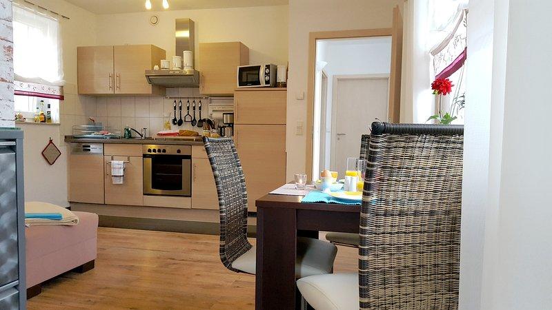 sala de jantar e área de cozinha