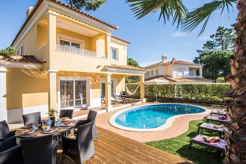 The villa is decorated in a practical and comfortable way and with 4 en-suite bedrooms