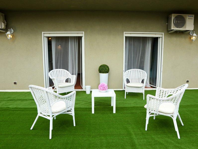 b&b del centro offre un ambiente elegante, confortevole e tranquillo., vacation rental in Aragona