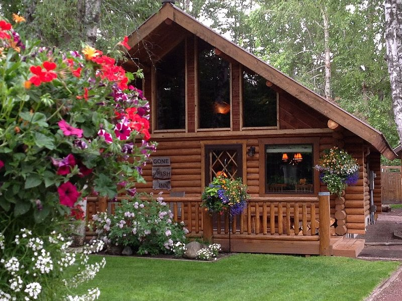 The Cabin at West Glacier - a beautiful cabin next to Glacier National Park, Montana.
