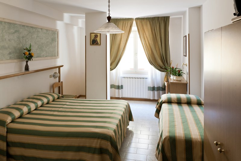 B&B Hotel Vignola Standard Triple Room, Ferienwohnung in Santa Maria degli Angeli