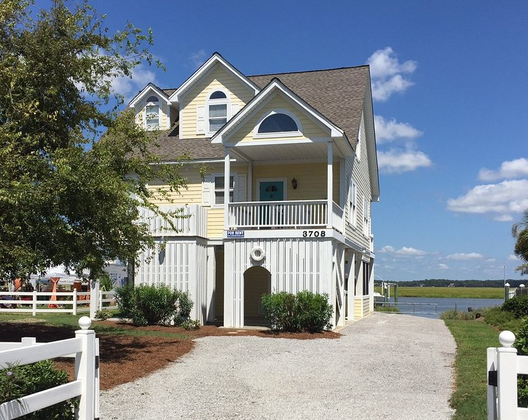 3708 Village Court - 'The Doc House', vacation rental in Edisto Island