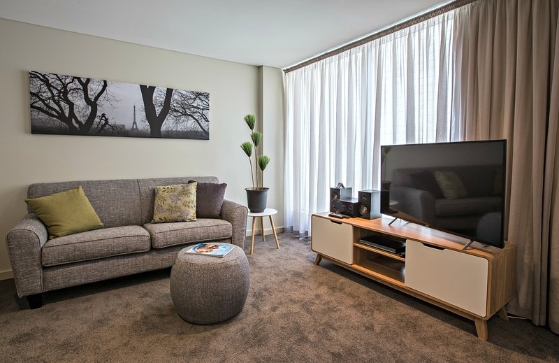 1 BR Deluxe Apartment - North Tce, Adelaide City, holiday rental in Greater Adelaide