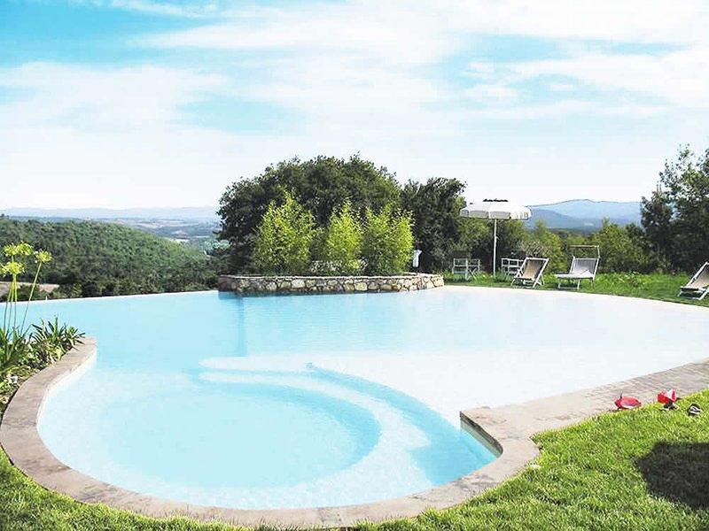 La hermosa piscina y vistas espectaculares
