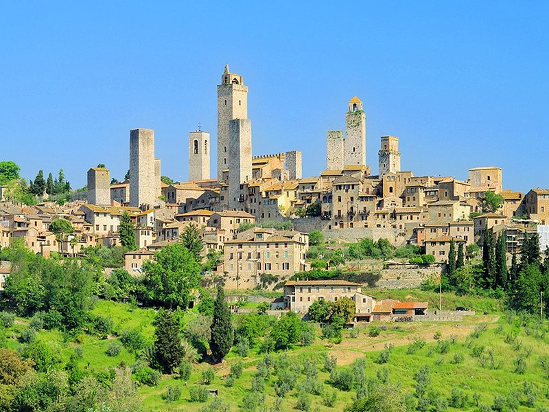 La bella y la ciudad medieval de San Gimignano
