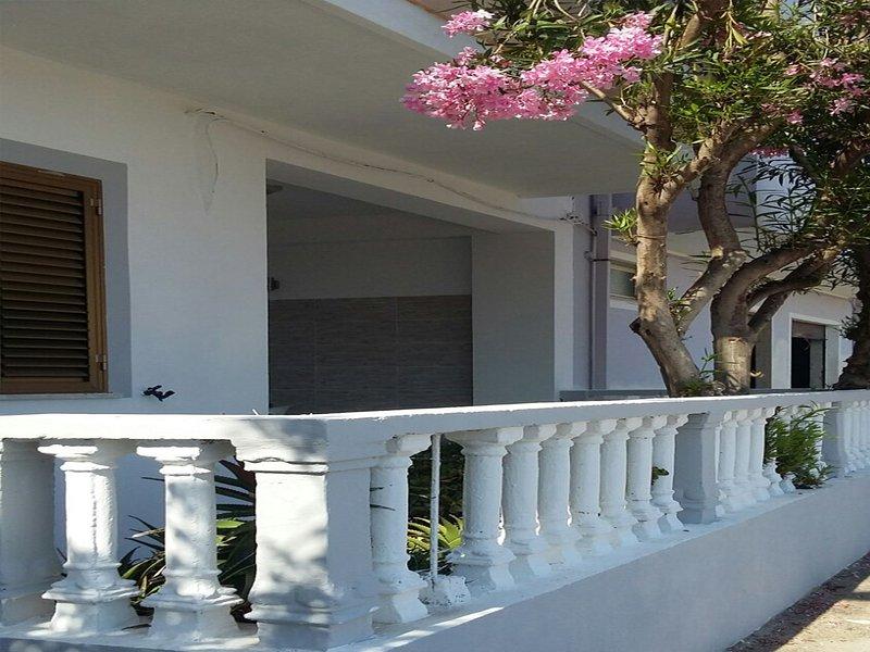 Japigium Appartamento Porticciolo a 2 passi dal Mare, vacation rental in Province of Crotone