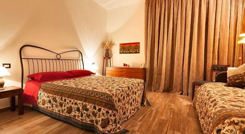 B&B Casa Rossella-Camera tripla con bagno privato, holiday rental in Capurso