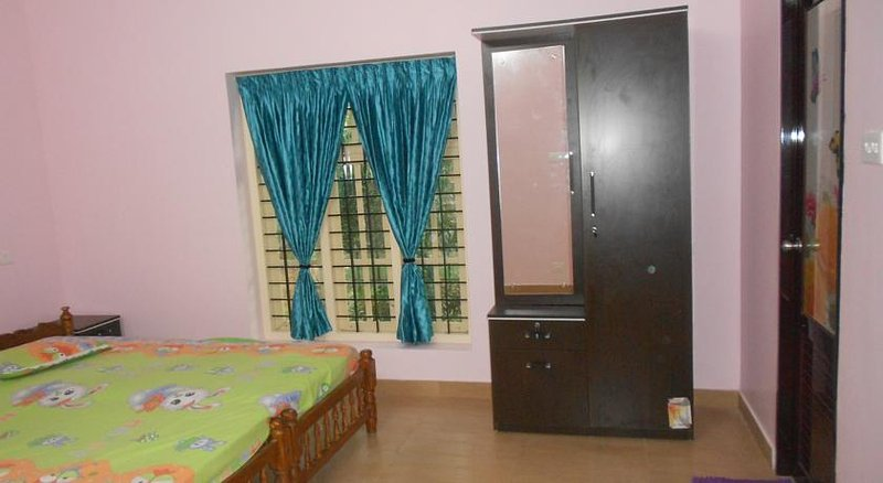 Amy's B and B Double Rm 2, holiday rental in Kazhakkoottam