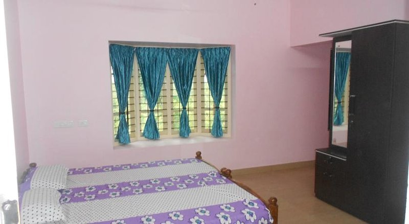 Amy's B and B Double Rm 3, holiday rental in Kazhakkoottam