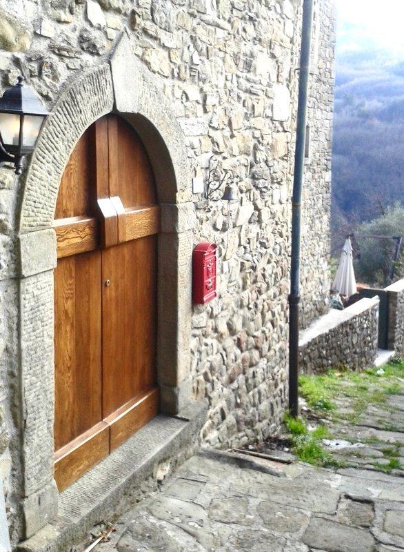 Front door or Casa Nicola