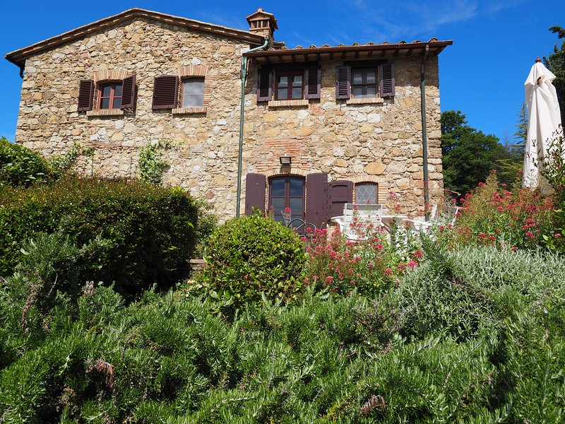 Deluxe vacation rental in Tuscany in San Gimignano, holiday rental in San Gimignano