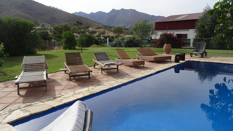 Finca with pool, close to beach, super view over sea and mountains, vacation rental in Mijas