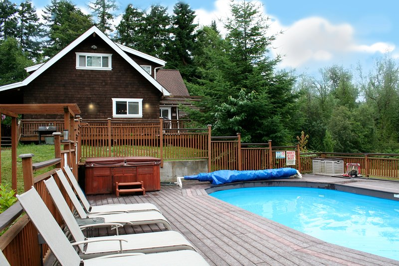 Hot tub is open year round, and pool in the summer! Both private and right outside the door.