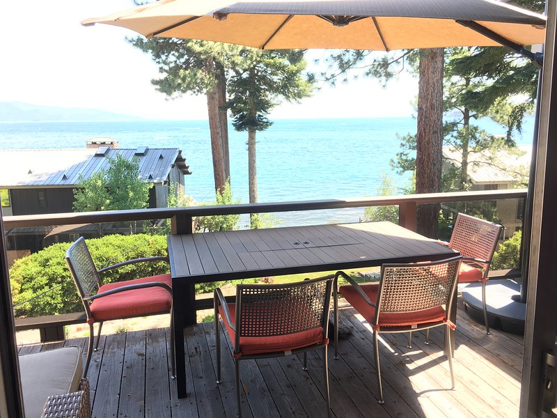 Lakefront Condo with Spectacular Views Near Ski Resorts, vacation rental in Incline Village