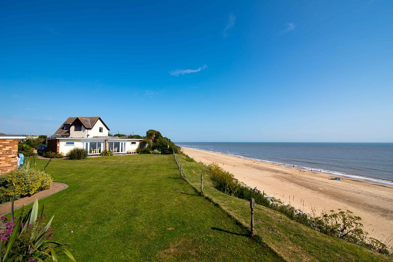 Exclusive private beachside location next to our sandy beach with stunning sea views