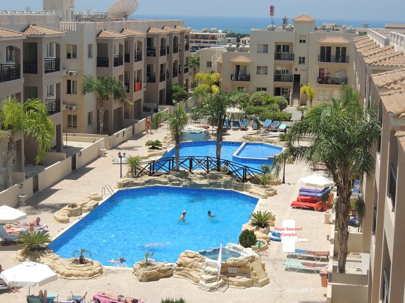 Royal Seacrest 5* Complex - Holidays Rental One Bed Room Apartment, WiFi,, vacation rental in Paphos