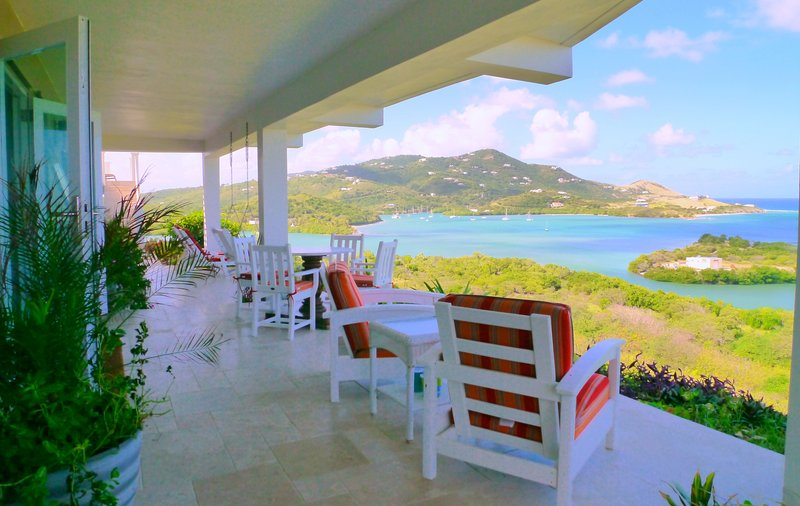 So many options for relaxing in the Caribbean breeze and taking in the view!