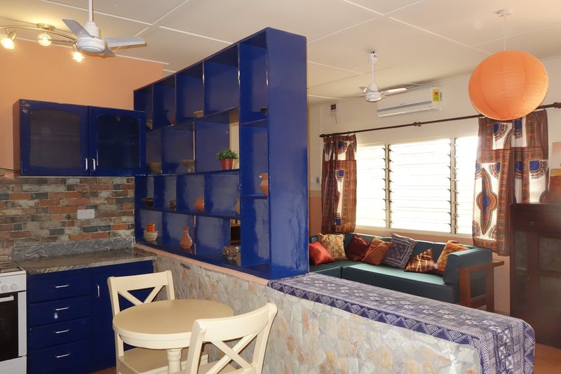 The Comfort Zone: A cozy, self-contained bungalow in Tesano, Accra, vacation rental in Achimota