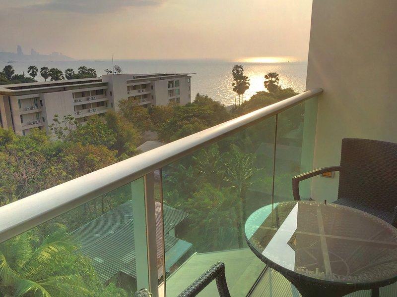 4poolvillas Beach Apartment Wongamat Naklua Pattaya, casa vacanza a Tha Thaewawong