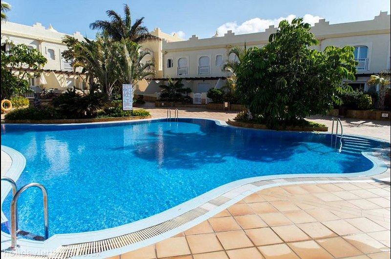 Villa Oasis, El Sultán, Corralejo - 3 bed 2 bath villa with ultra fast internet, location de vacances à Corralejo